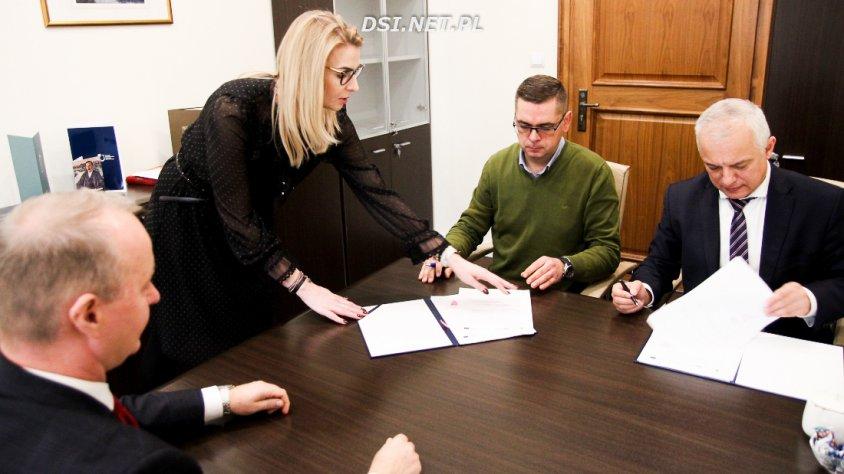 Dwie umowy podpisał dzisiaj ZMiG Pojezierza Drawskiego