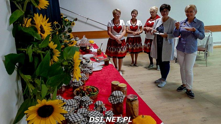 Mobilny Festiwal Słoika 2020 - trwa degustacja potraw przez członków komisji