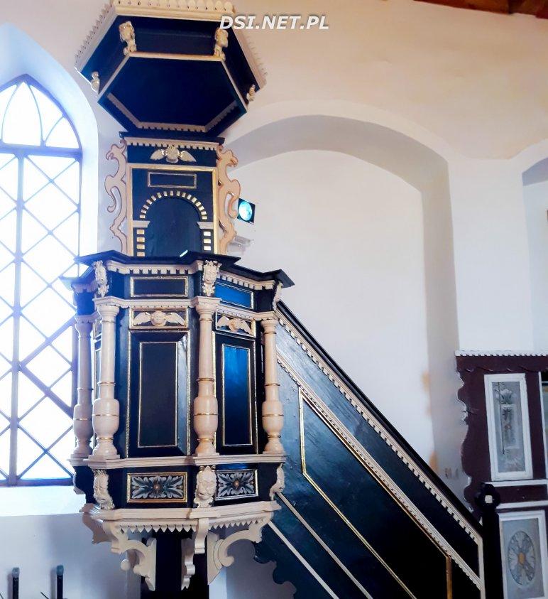 W kościele w Gudowie została odrestaurowana zabytkowa ambona.