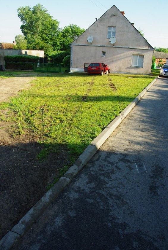 Wypadek w Suliszewie – kierowca uderzył w budynek i walczy o życie