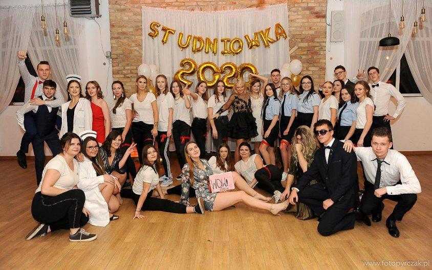 Studniówka uczniów z kaliskiego Liceum