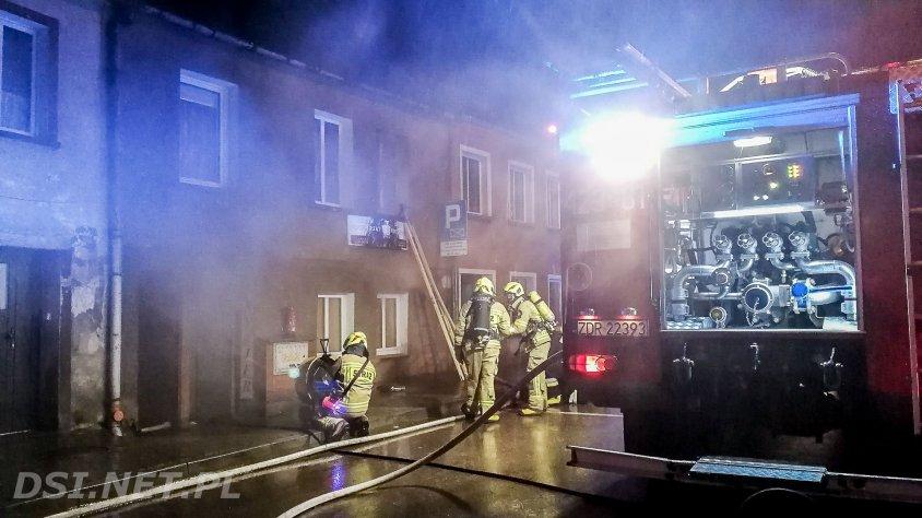 Pożar salonu fryzjerskiego oraz mieszkania w centrum Złocieńca