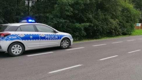 Dwa wypadki. Policjanci uratowali ludzkie życie