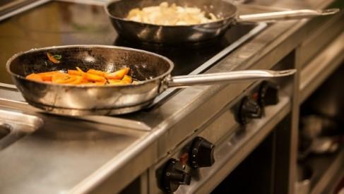 Patelnia miedziana dla szybszego i zdrowszego gotowania