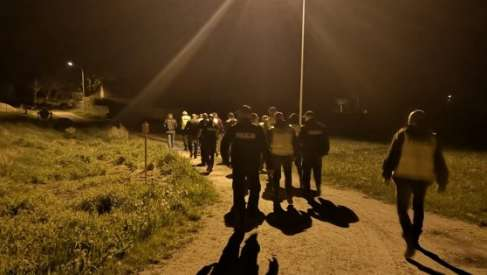 Policjanci z całego powiatu prowadzili poszukiwania kobiety. Wiemy jak się zakończyły