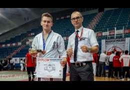 Jakub Pawłowicz wraca z brązem z Puchar Polski Karate Kyokushin