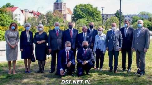 Władze Drawska obecne i dawne obchodziły 30 lat samorządu terytorialnego