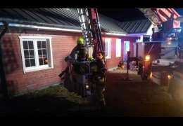 Pożar komina rozprzestrzenił się na poddasze