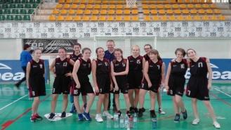 """Młode koszykarki z UKS """"Olimpijczyk"""" rywalizowały w Pile"""