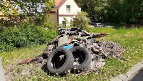Kolejna sterta śmieci w Drawsku. Straż Miejska znowu skutecznie