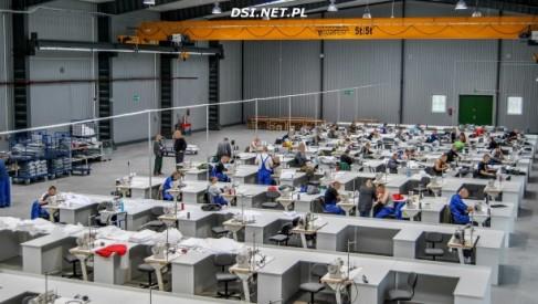 Zakład Karny w Wierzchowie pokazuje jak pracują osadzeni. Zatrudnionych jest 241 osadzonych - Foto