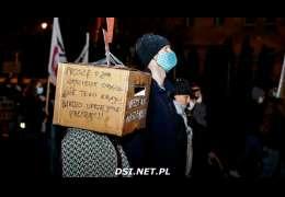 Pogoda nie pokrzyżowała planów protestujących. Było około 450 osób (Foto, video)