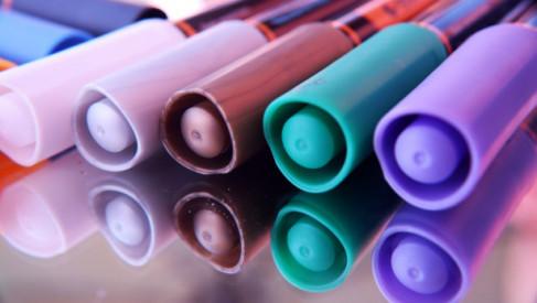 Wskazówki dotyczące zakupu markerów, długopisów i innych przyborów do pisania
