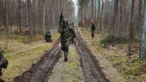 Pościgi, strzelania bojowe i przeszukania obiektów. Żołnierze żandarmerii wojskowej trenowali na poligonie w Drawsku Pomorskim
