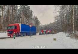Zderzenie ciężarówek. Droga zablokowana