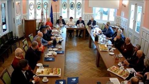 Śniadanie biznesu z władzami powiatu