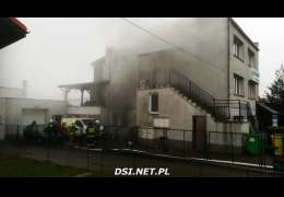 Pożar domu w Czaplinku na skrzyżowaniu ulic Wałeckiej i Warmińskiej