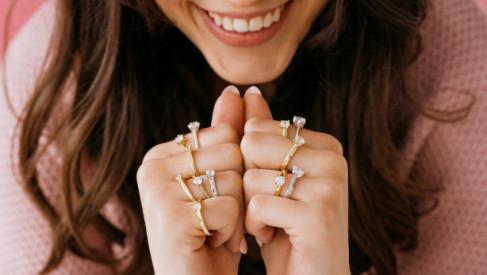 Pierścionki zaręczynowe – jak wybrać ten jedyny, idealny?