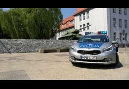 Potrącenie pieszego w Drawsku. Sprawca po sprawdzeniu co poszkodowaną odjechał