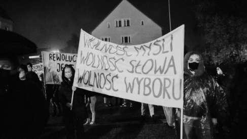 """Organizują debatę online """"Prawa Kobiet na Pojezierzu Drawskim"""""""