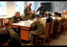 Centrum Szkolenia Bojowego coraz bliżej: Dowódcy płk BROOKS  i płk GMURSKI omawiali przyszłość poligonu