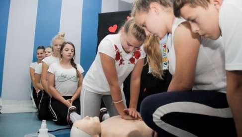 Uczniowie wspólnie z WOŚP bili rekord Guinnessa w pierwszej pomocy