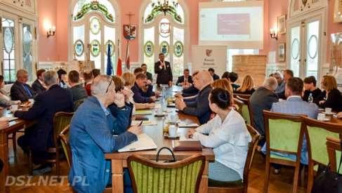 Kontrakt samorządowy: była dyskusja o rozszerzeniu i transporcie zbiorowym